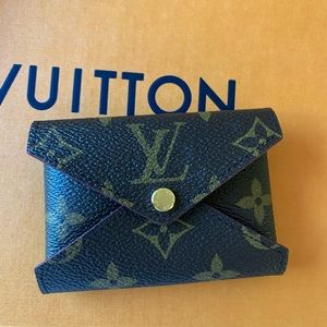 Louis Vuitton kirigami small pouch